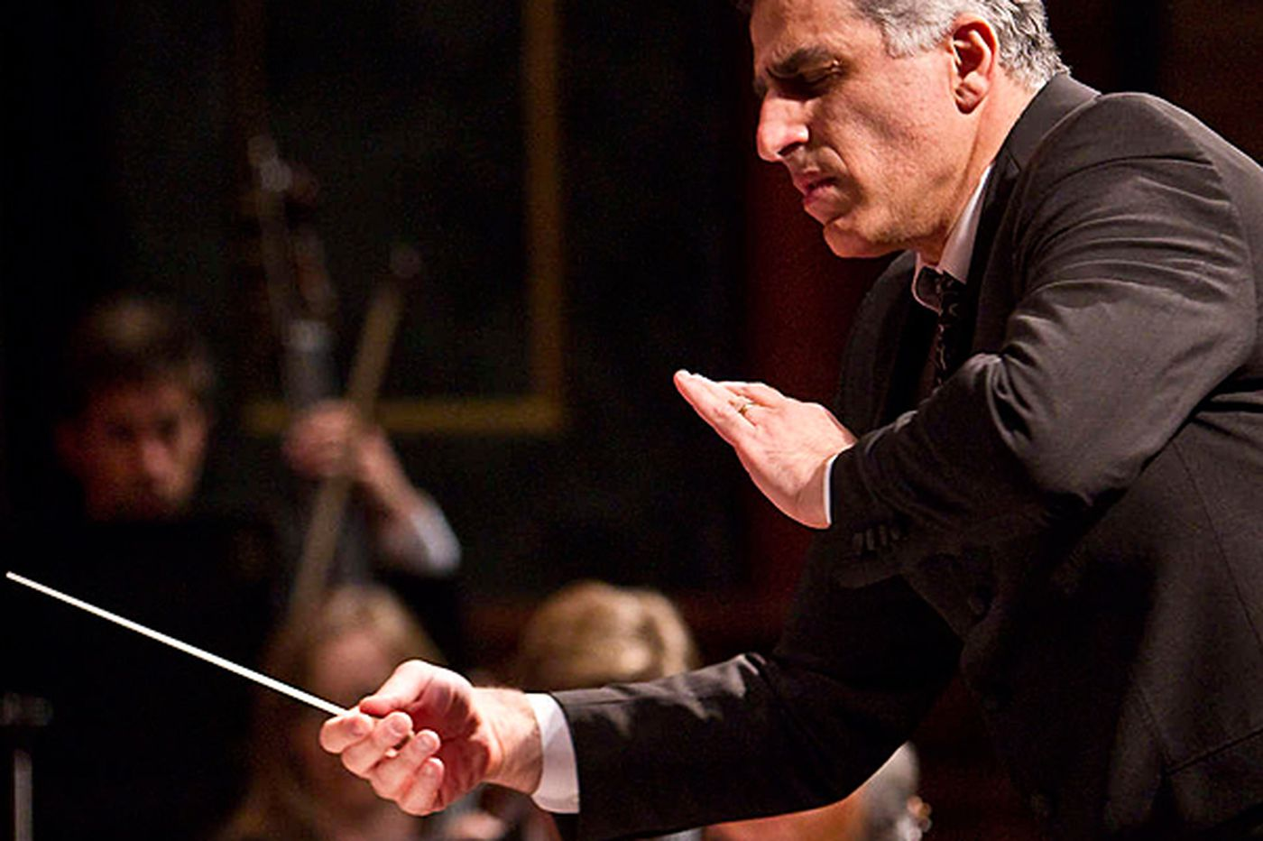 Review: Chamber Orchestra's conductor surprise