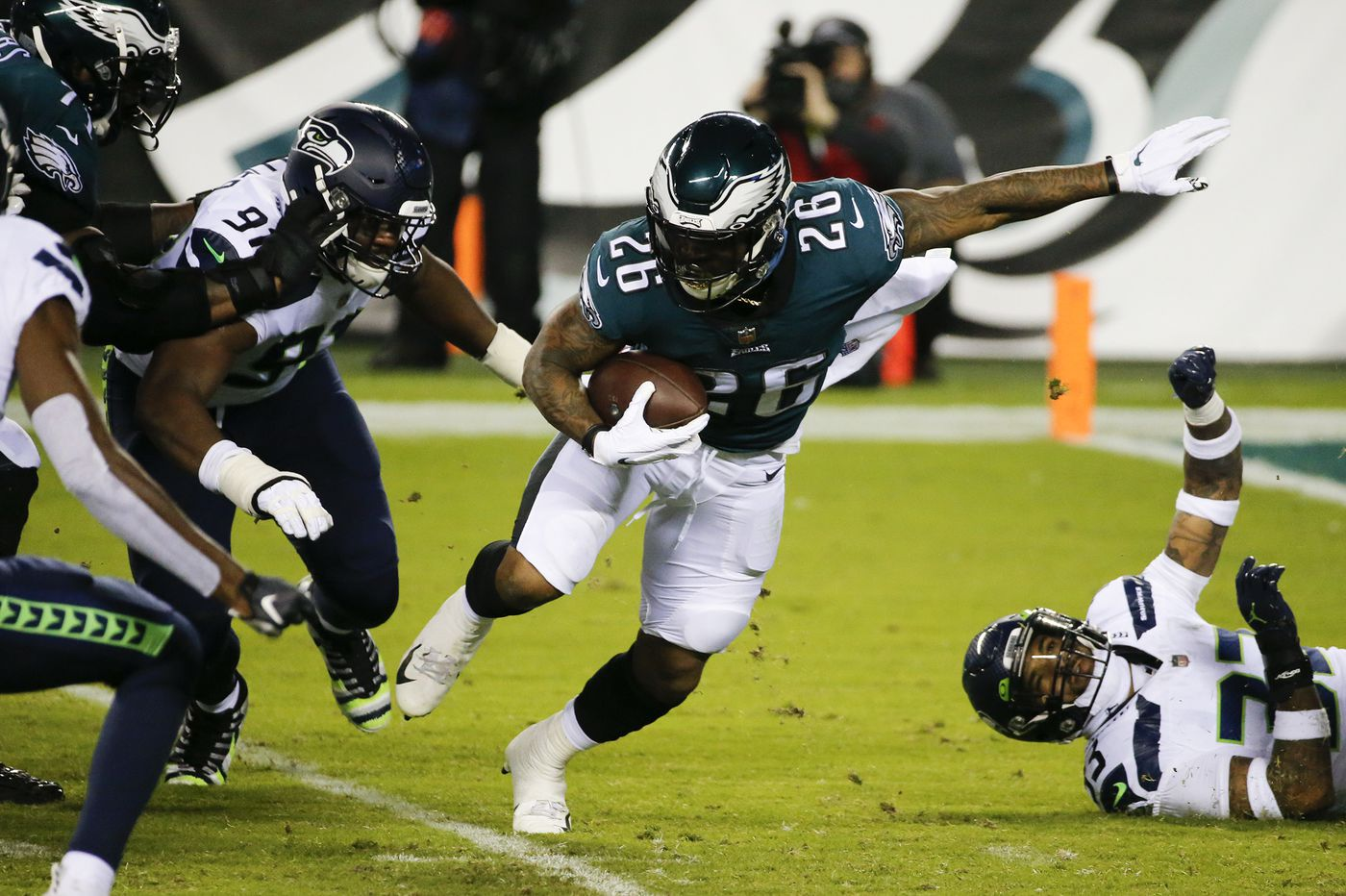 Doug Pederson's decision to go for two leads Eagles to unlikely back-door cover vs. Seattle