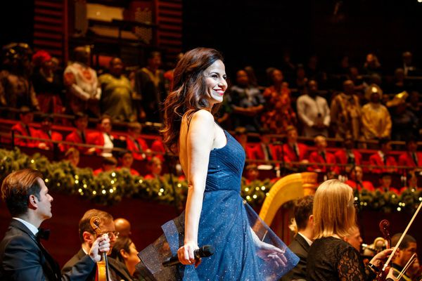 Philly Pops Christmas show stuffs a whole lot of joy into its Santa sack