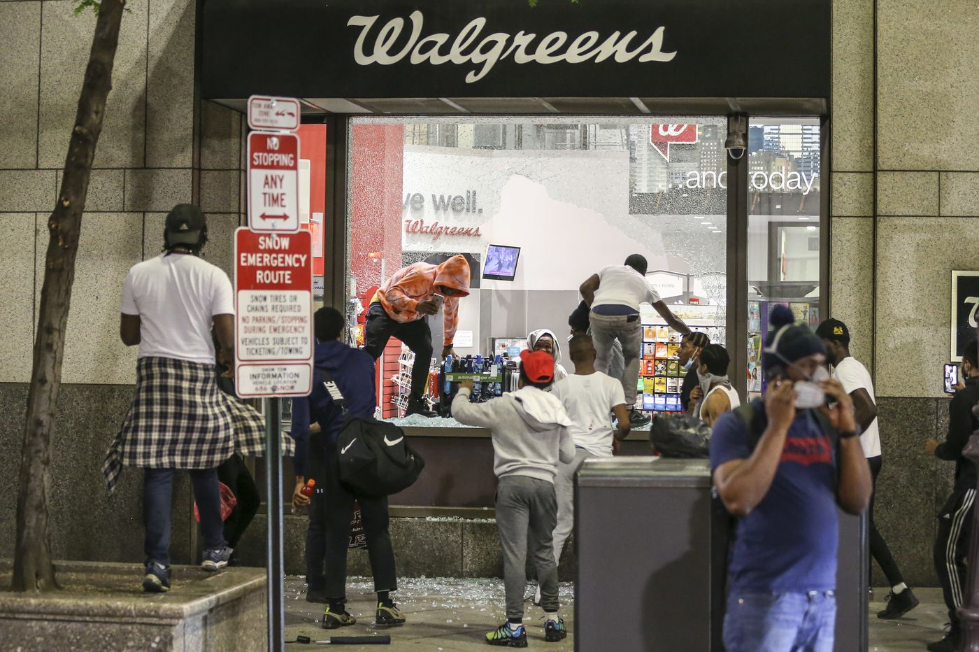 Walgreens among the first to report its losses from looters as ...