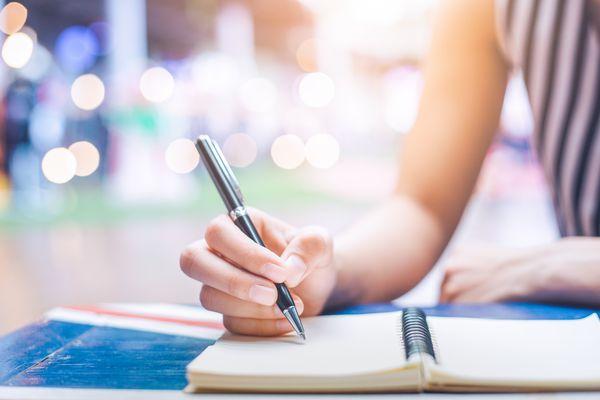 Dear Abby | Retail worker still smarts after customer's criticism