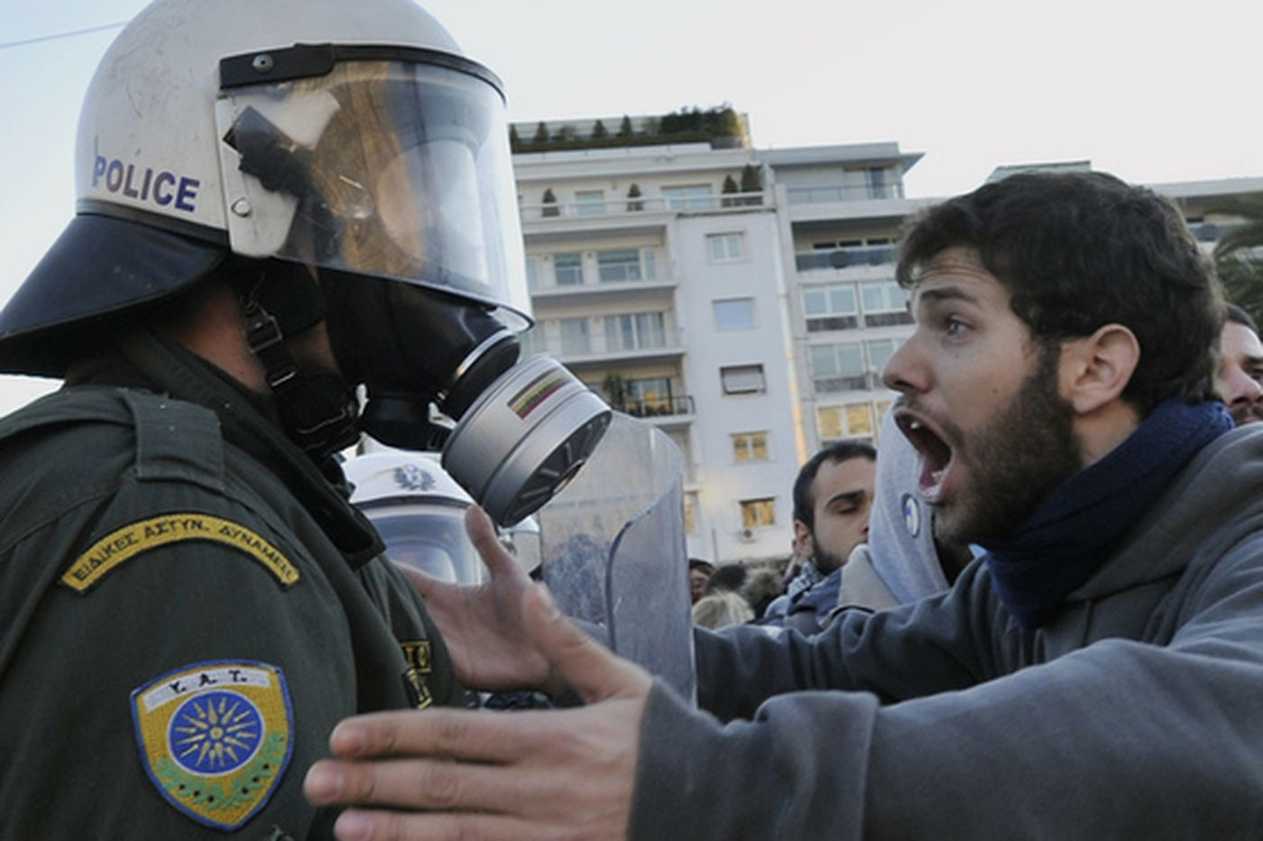 Riots threaten Greek government