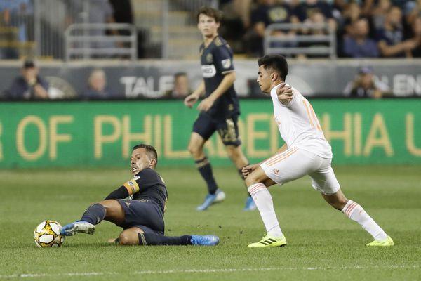 Union clinch playoff berth as Sergio Santos, Kacper Przybylko lead 3-1 win over Atlanta United