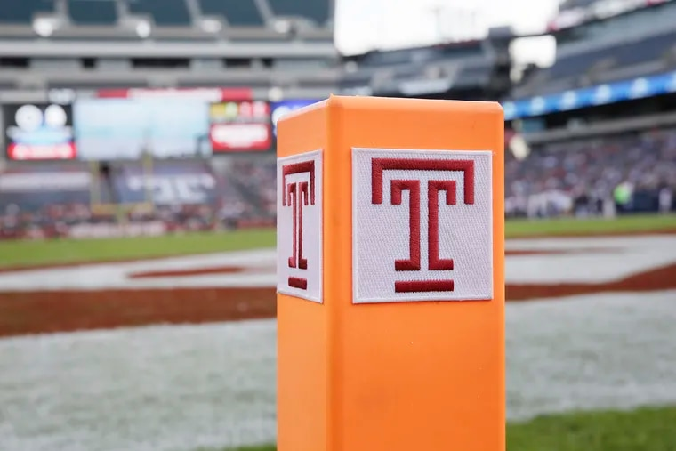 Temple's logo on the end-zone pylon at Lincoln Financial Field.