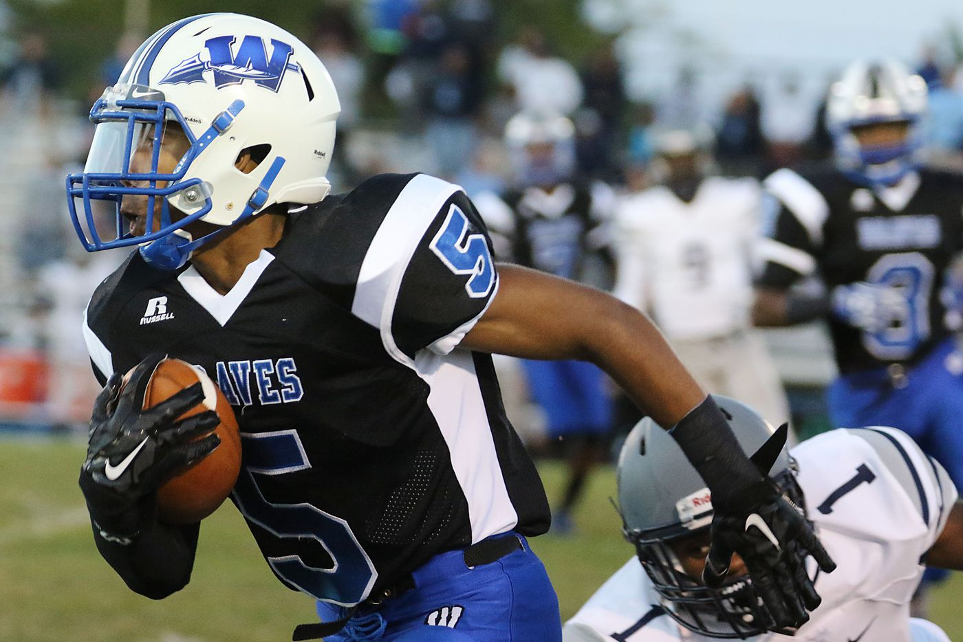 Friday's S.J. football roundup: Williamstown survives a scare from Lenape