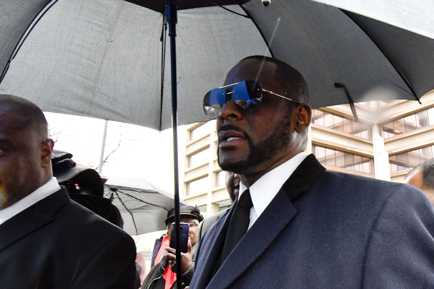 R. Kelly charged with 11 new sex-related crimes in Chicago