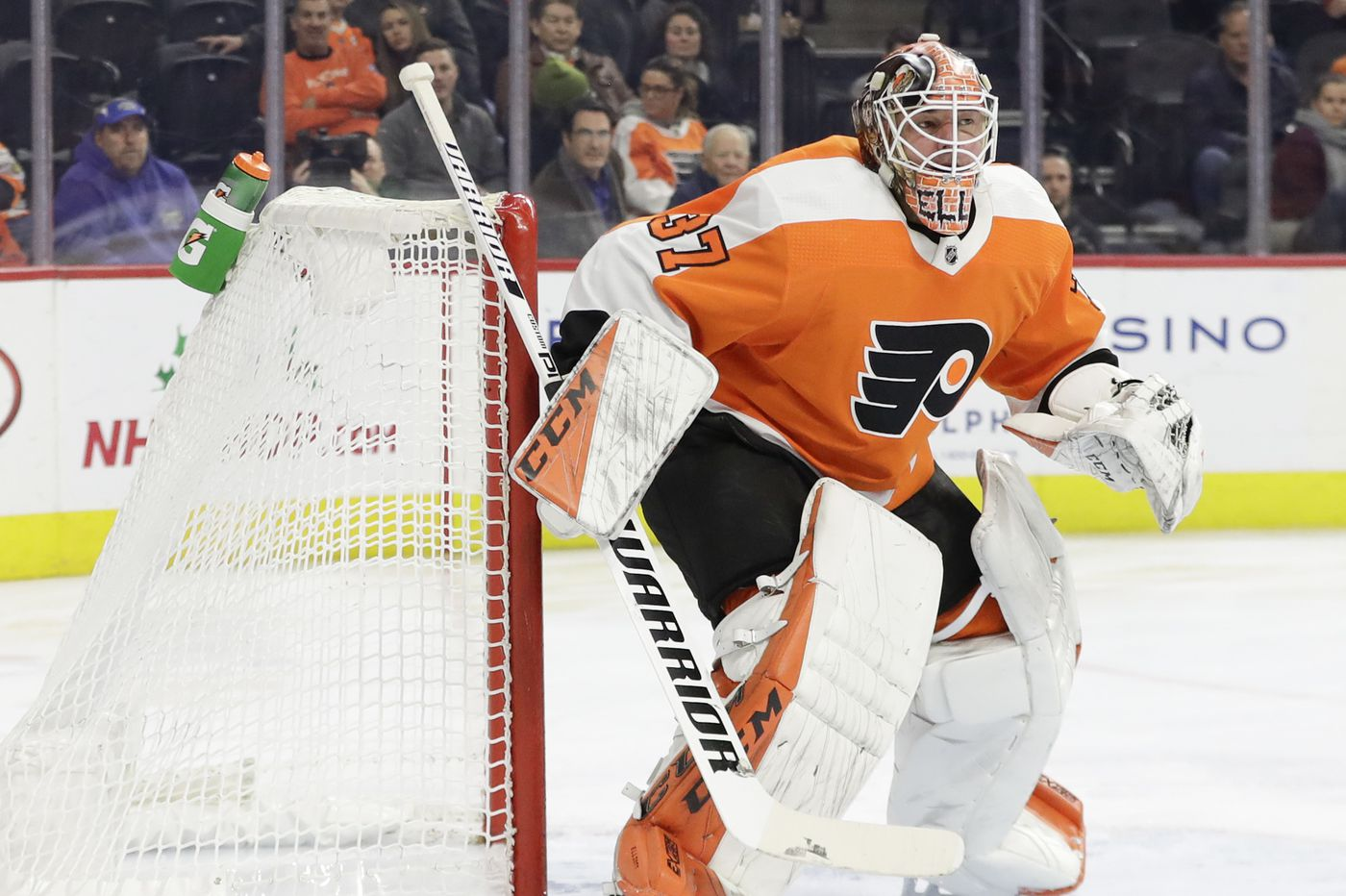 Carter Hart and Brian Elliott give Flyers an interesting home-road possibility