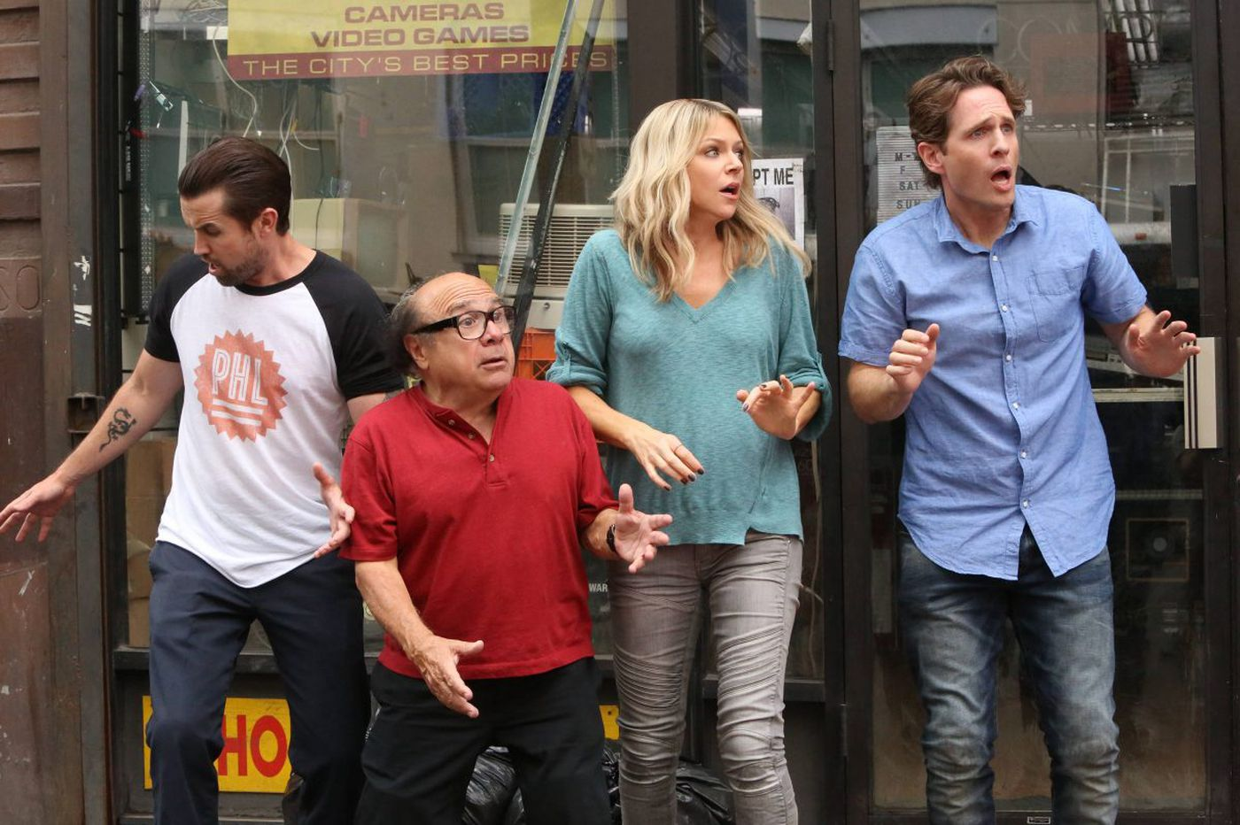 'It's Always Sunny in Philadelphia' pop-up bar opening - in Chicago