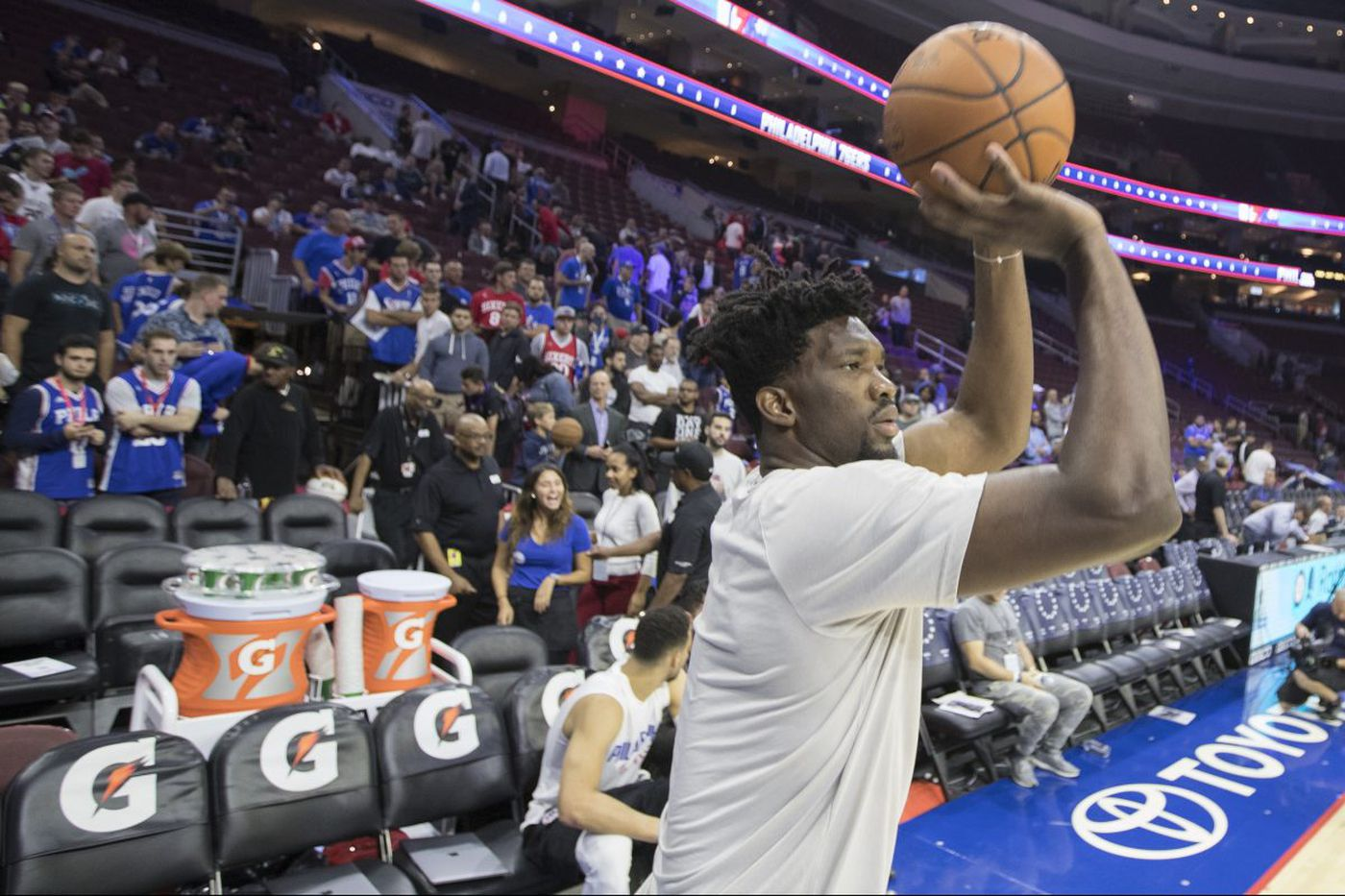 Sixers taking risk with Embiid; letting him leave would've been riskier