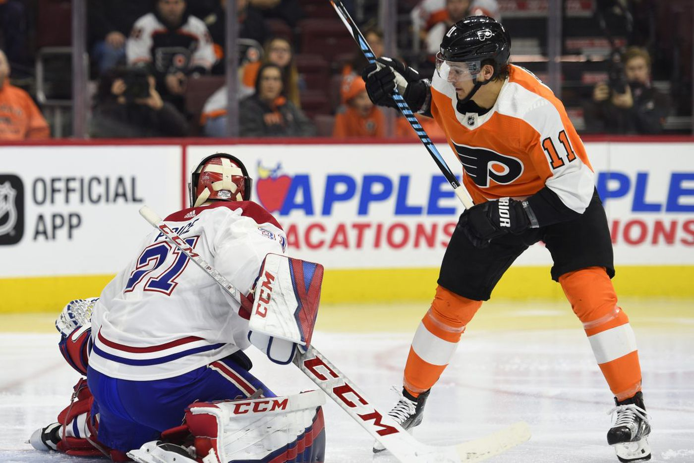 Flyers defeat Canadiens, 5-3, on night Eagles are celebrated