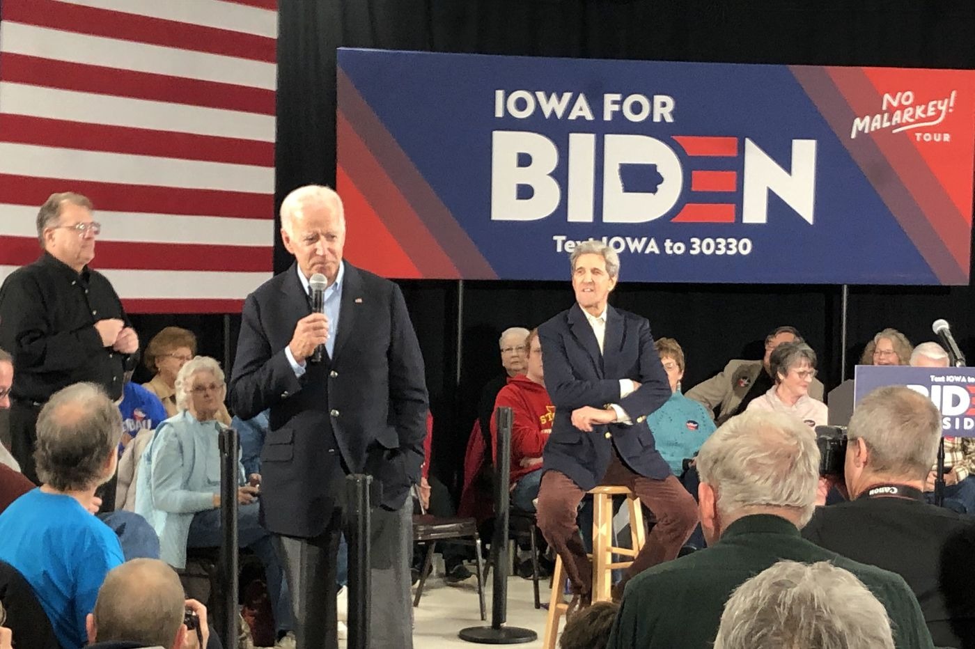 John Kerry hails Joe Biden's experience as former VP tries to rally in Iowa