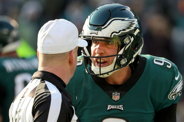 The legend of Nick Foles grows in Eagles' win over Texans | Jeff McLane
