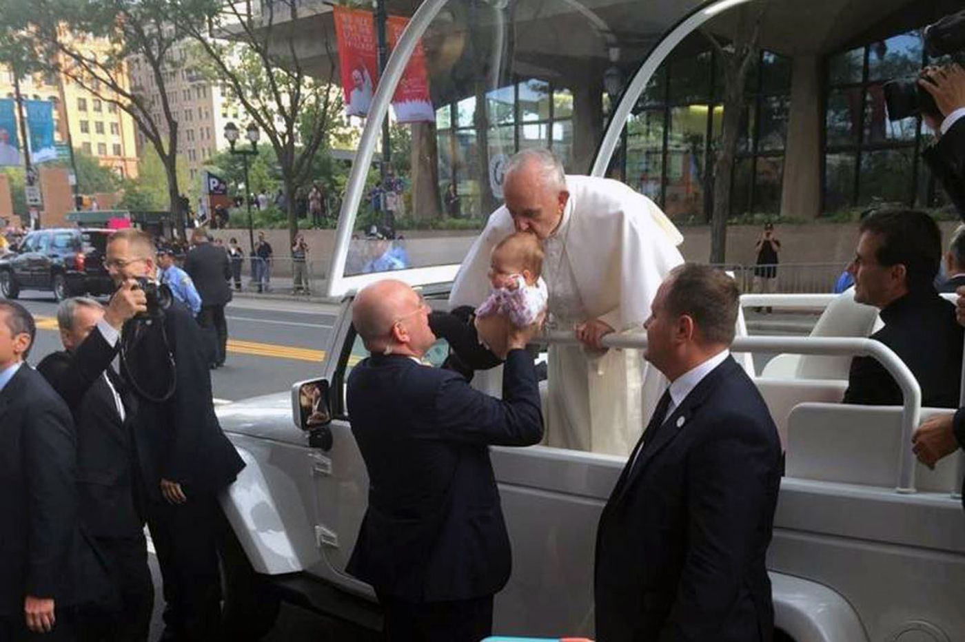 Medical 'miracle' after kiss from pope