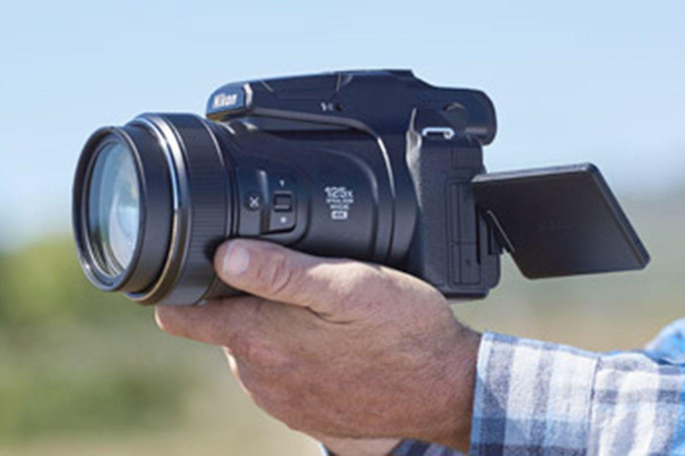 Nikon Coolpix P1000: Can a zoom lens be too big?