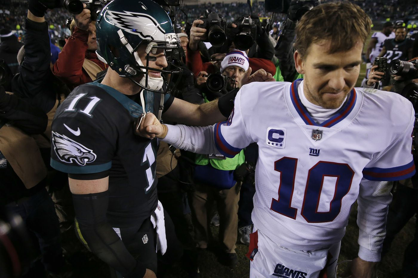Eagles enter first NFC East game vs. Giants knowing division is 'still right there to be had'