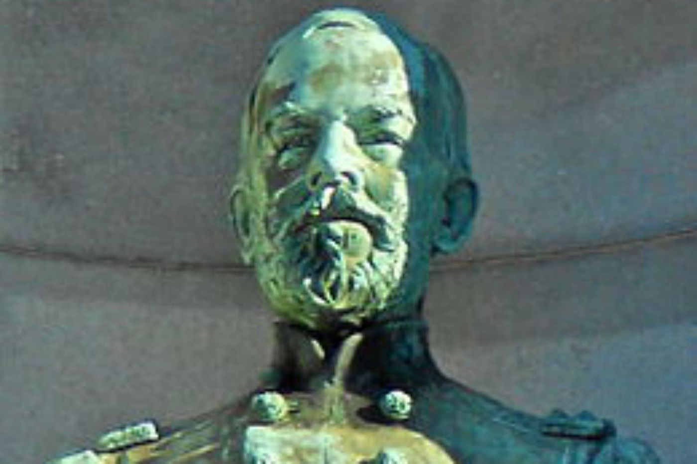 Stolen bust of Civil War general found under I-95