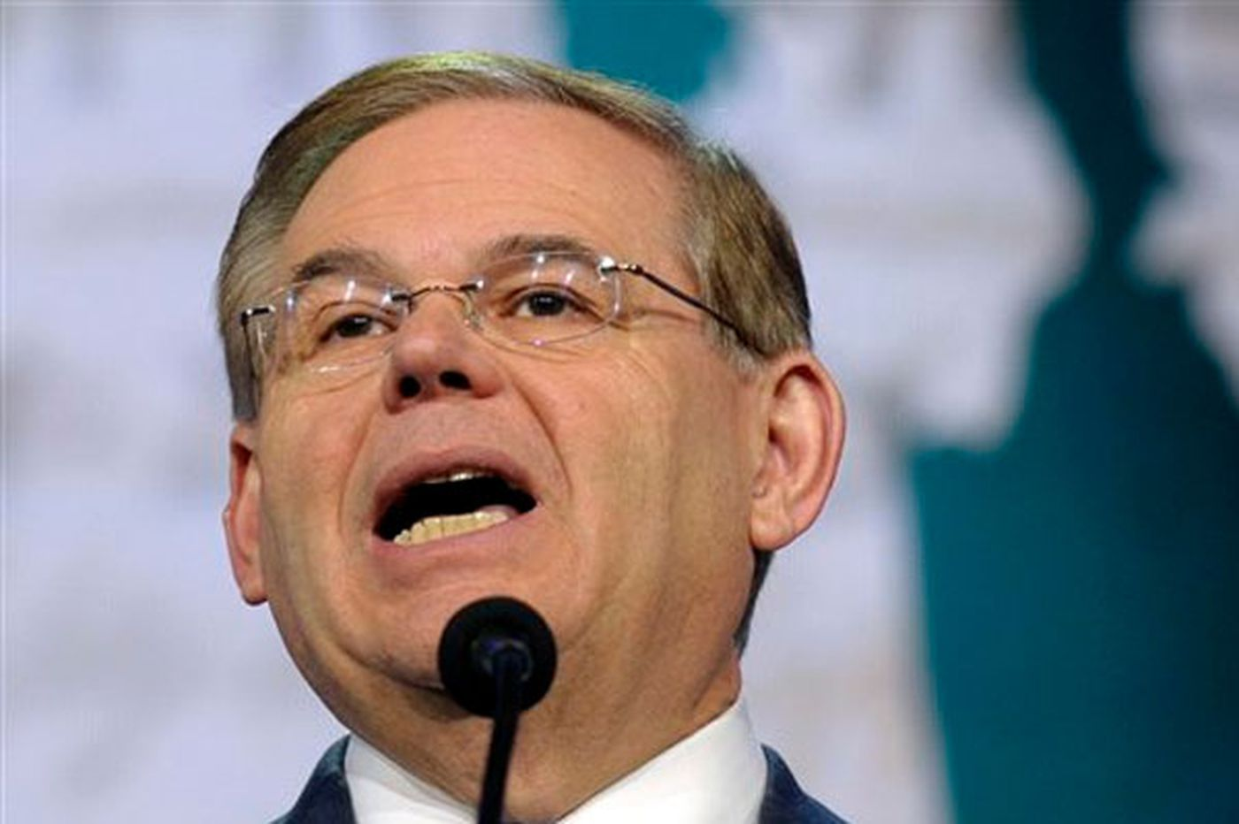 Senate ethics probe hasn't slowed down Menendez