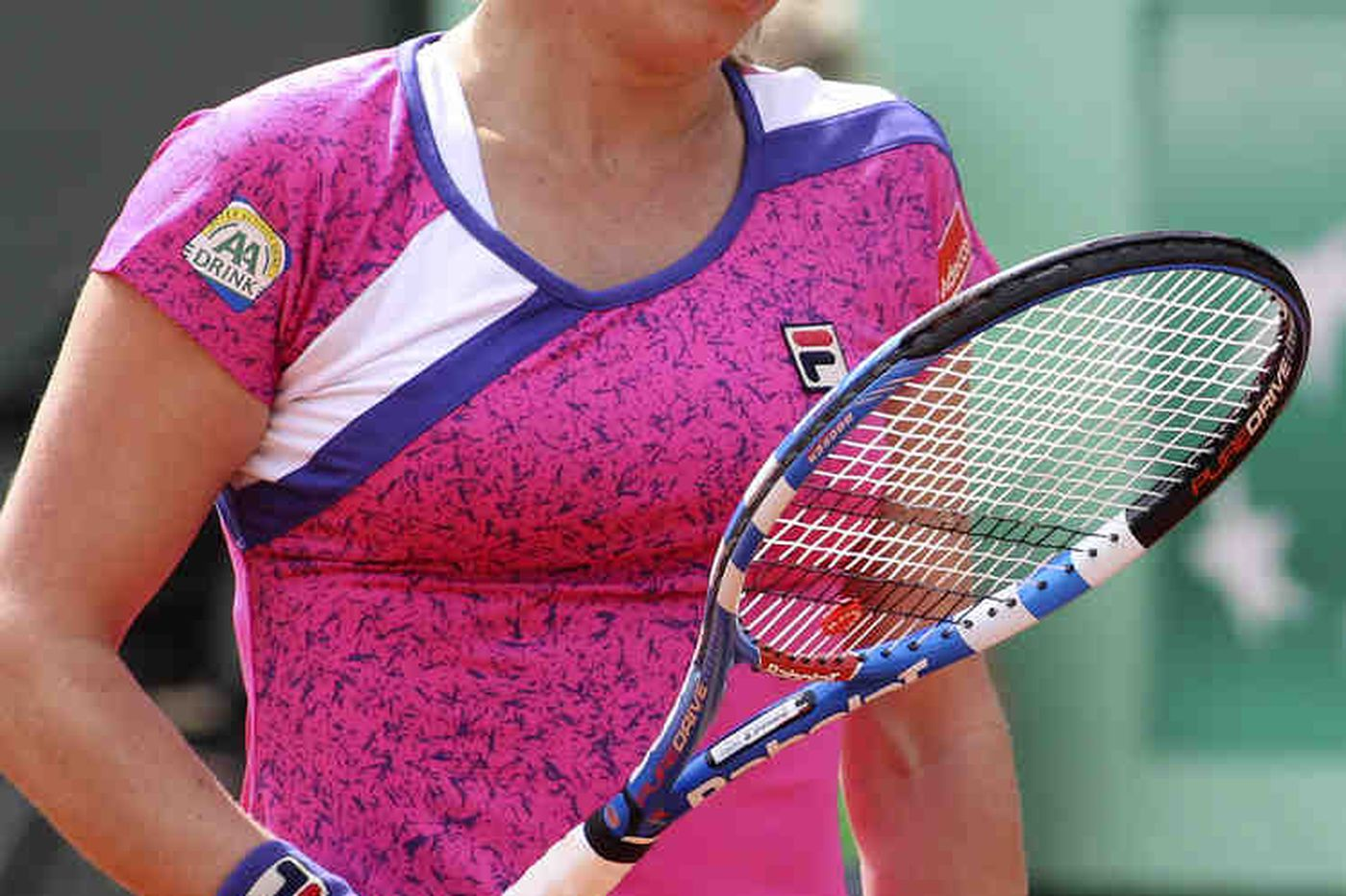Doubting Clijsters is beaten in Paris