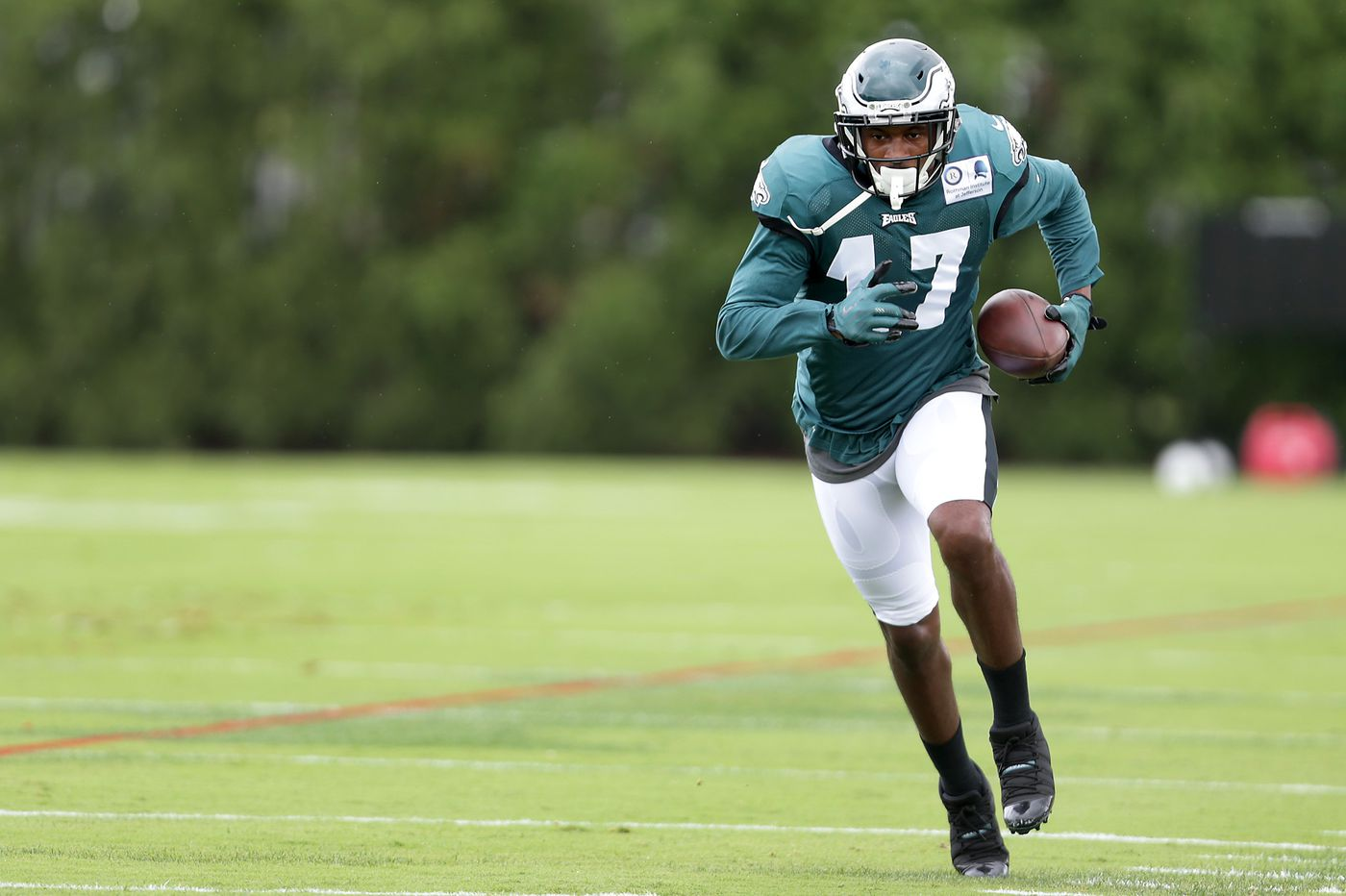 Eagles wide receiver Alshon Jeffery returns to practice on limited basis