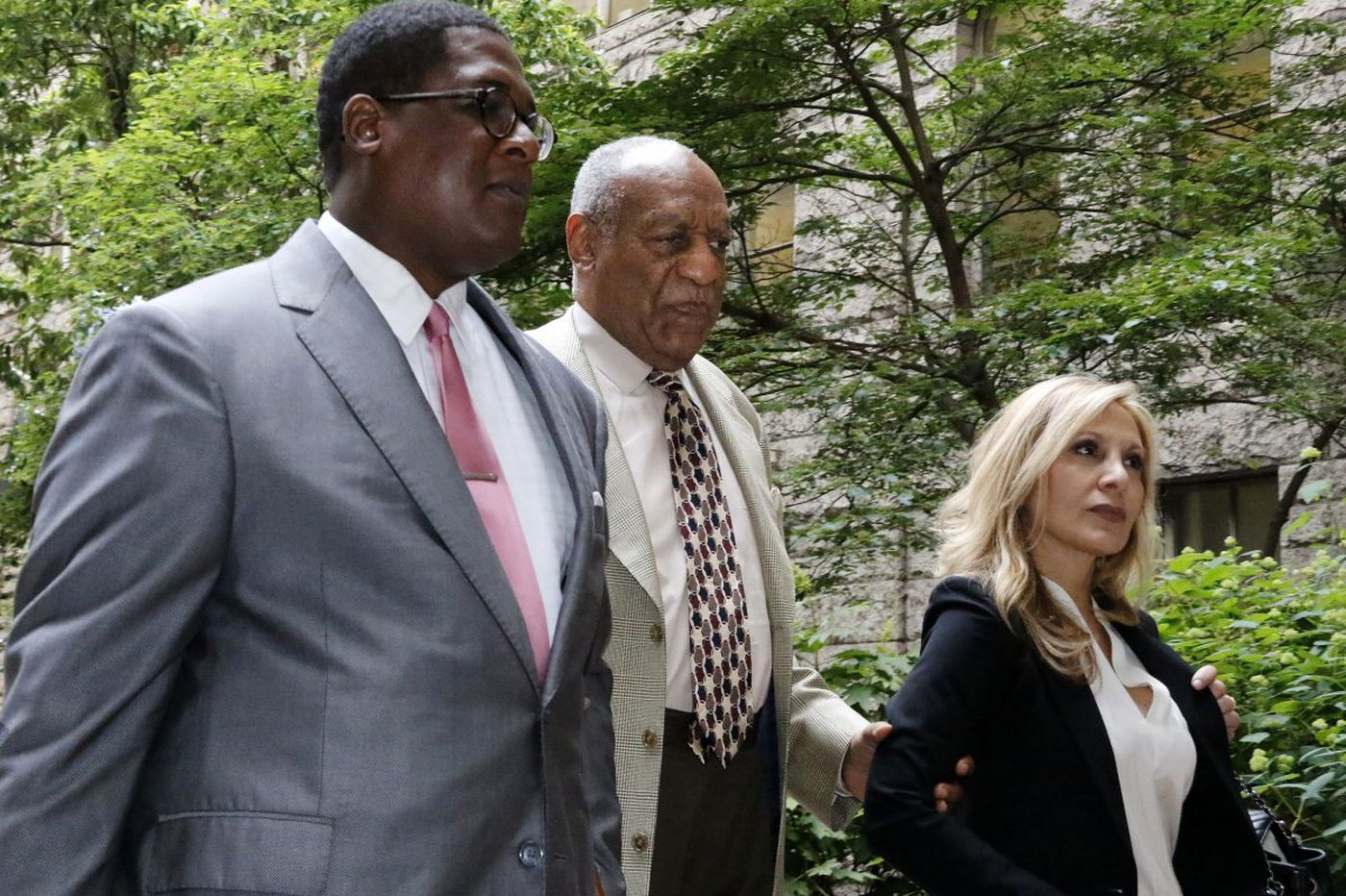 Cosby lawyers: Prosecutors are excluding blacks from jury