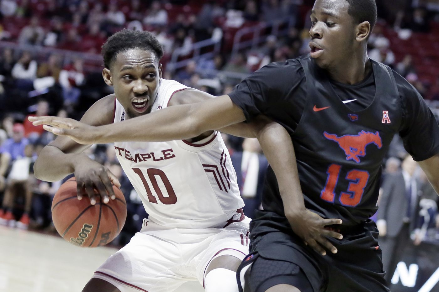 Shizz Alston scores 13 straight points down the stretch as Temple beats SMU, 82-74
