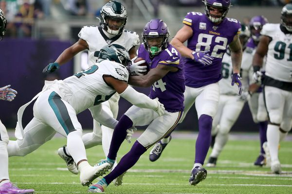 Eagles' season hanging by a frayed thread after drubbing by Vikings | Bob Ford