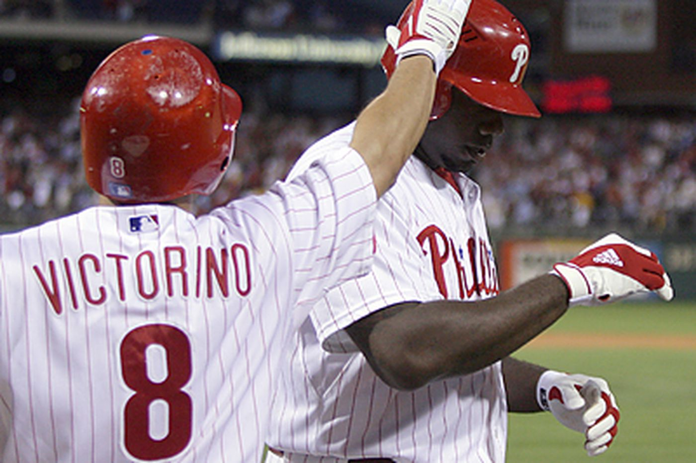 Bob Ford: Howard tries to lift Phils himself