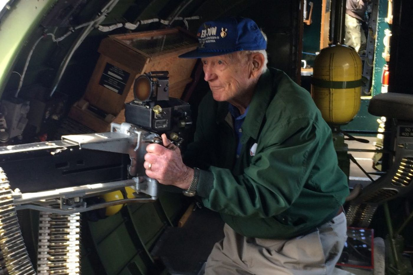 Francis Dewey Burke, 93, World War II gunner, police official, and father of TV star Chris Burke