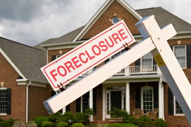 Are foreclosures widening social gaps? (istockphoto.com)