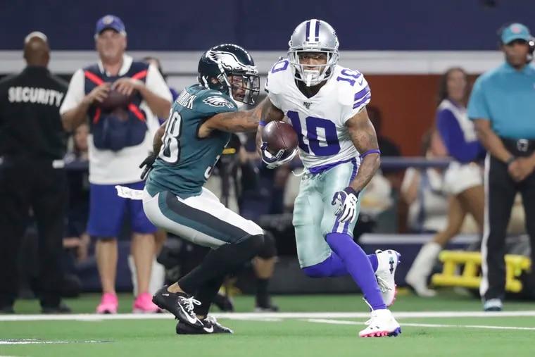 Dallas Cowboys wide receiver Tavon Austin runs past Eagles cornerback Orlando Scandrick for a touchdown on Sunday, October 20, 2019 in Arlington, TX.