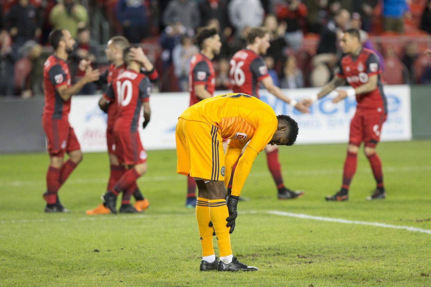 Sebastian Giovinco, Victor Vázquez lead Toronto FC's 3-0 blowout of Union