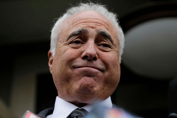 Lurie will decide if weeding out Kelly is the answer