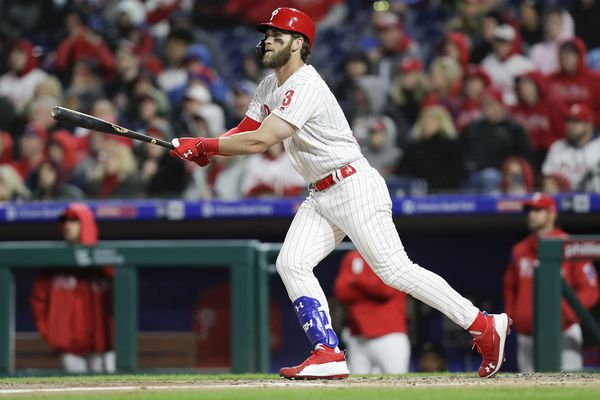 Bryce Harper steals the show again as Phillies complete sweep of Braves