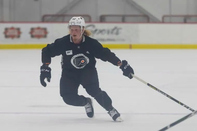 Flyers right winger Wade Allison hurt his right leg in the game with the Rangers rookies on Sunday. (File photo)