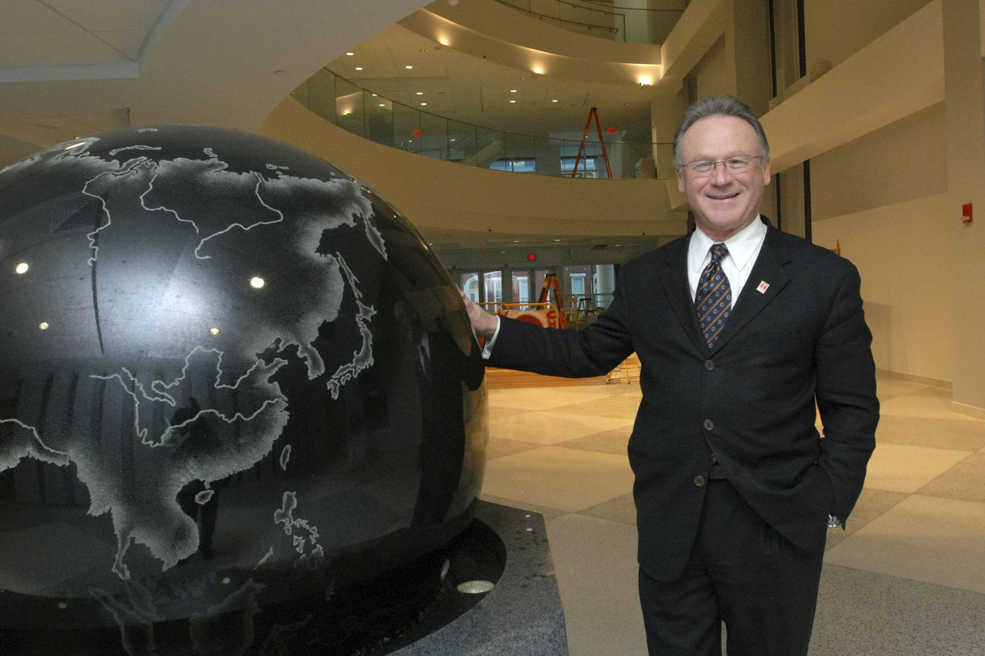 Ousted Temple dean Moshe Porat was a rainmaker for the business school