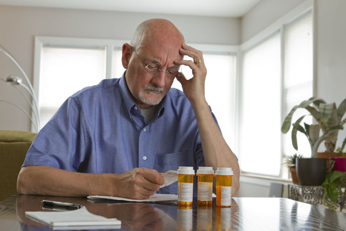 High drug costs lead 5 percent of seniors to skip or ration medication, study finds