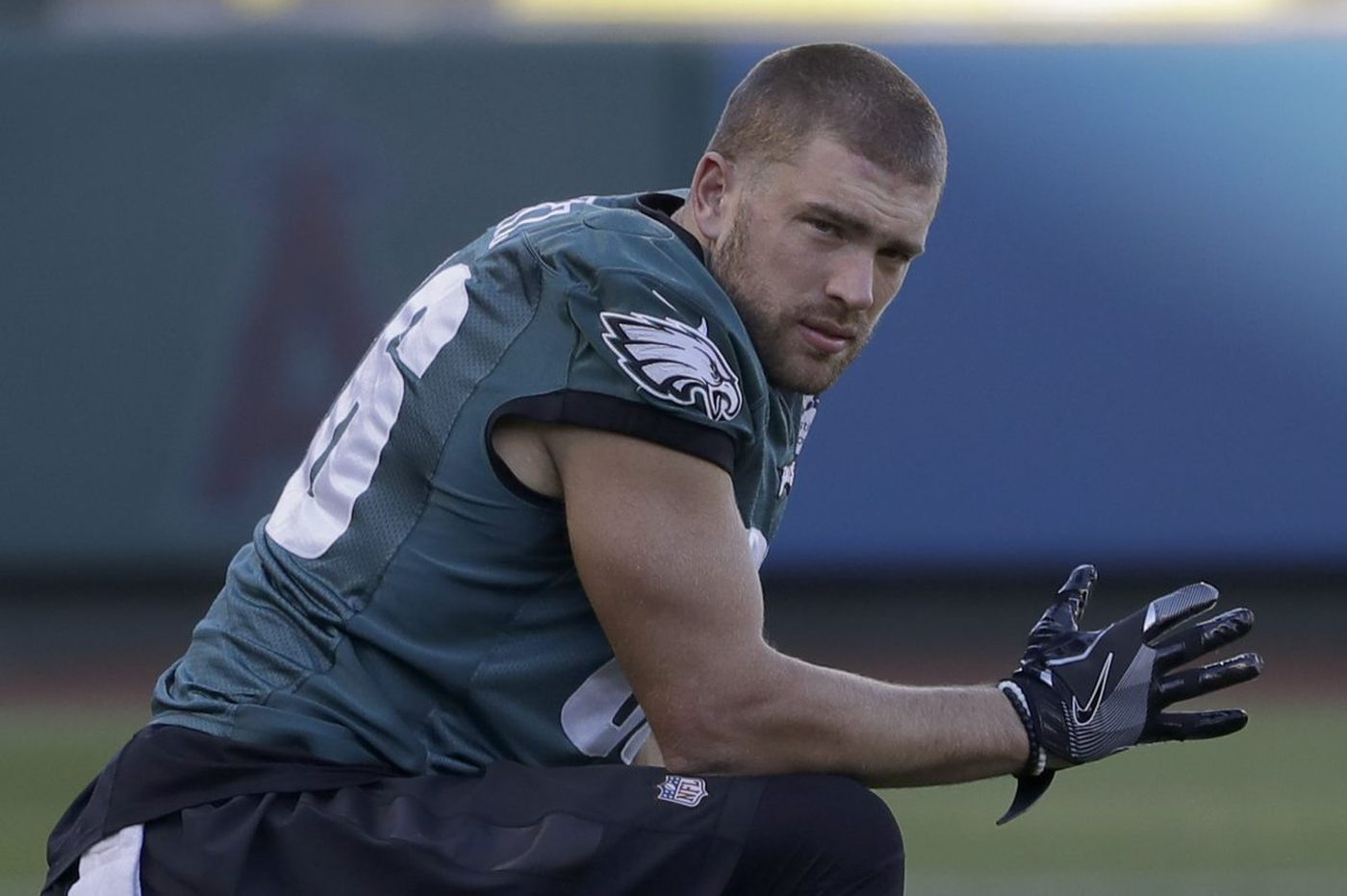 Eagles TE Zach Ertz returns to practice on limited basis, has not yet cleared concussion protocol