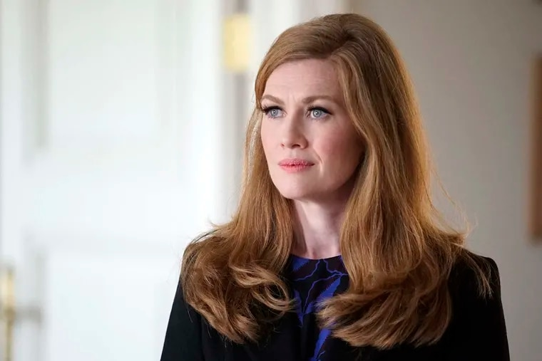 """In """"The Catch,"""" Mireille Enos stars as L.A.'s top private investigator, who falls for a con artist."""