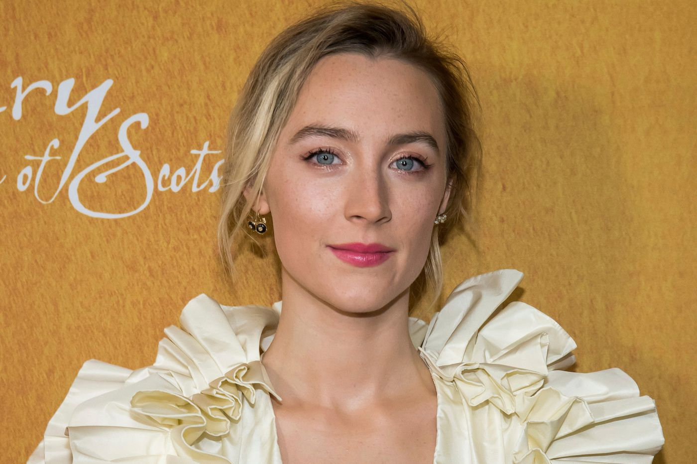 "Saoirse Ronan talks 'Mary, Queen of Scots,"" and her reunion with Greta Gerwig for 'Little Women'"