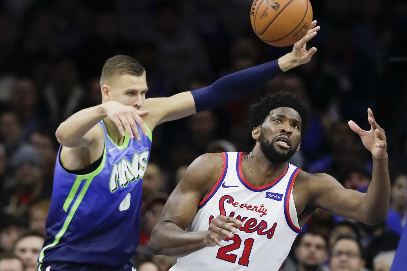 Sixers-Mavericks best & worst: Another rough night against the zone, a long night on defense