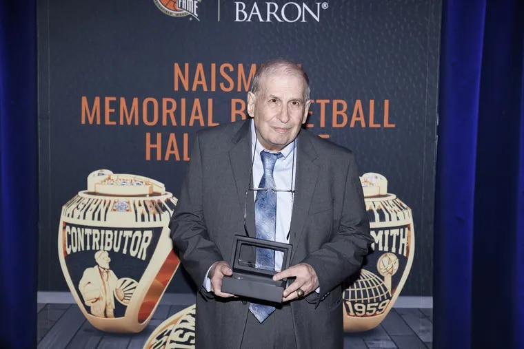 Mel Greenberg at the Hall of Fame ceremony.