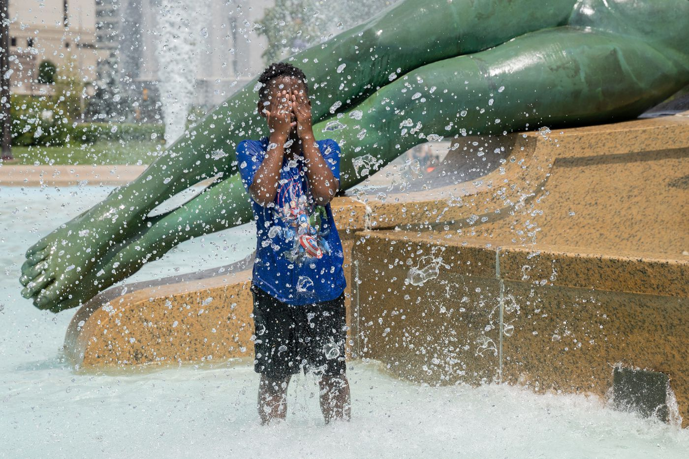 How to stay cool without air conditioning in Philly