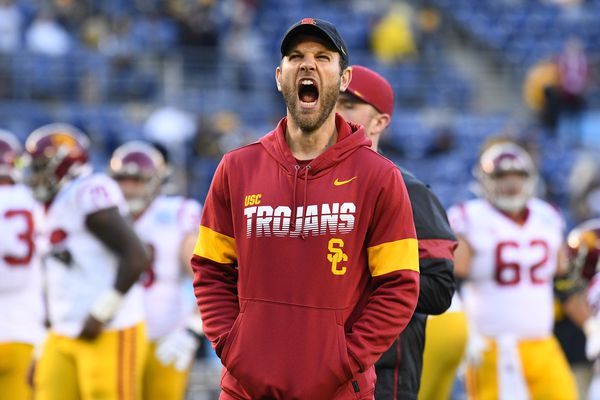 Sources: Eagles interview Southern Cal's Graham Harrell for offensive coordinator vacancy