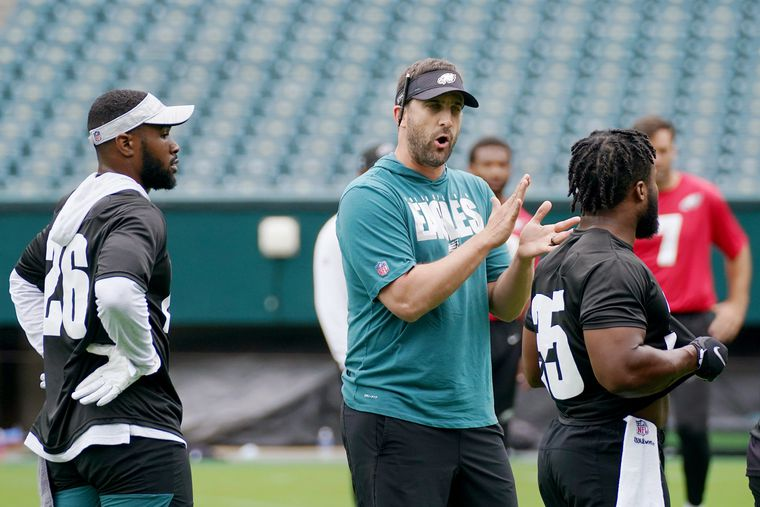 An early look at three Eagles training-camp battles   Early Birds