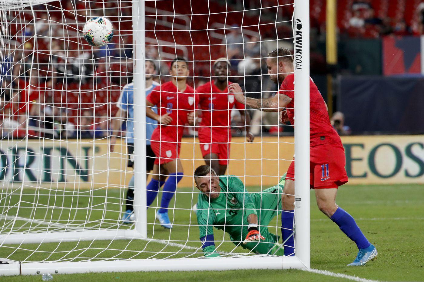 Jordan Morris' late goal gives U.S. men's soccer team 1-1 draw vs. Uruguay