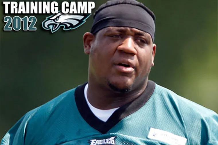 King Dunlap has moved ahead of Demetress Bell on the Eagles' depth chart. (David Maialett/Staff Photographer)