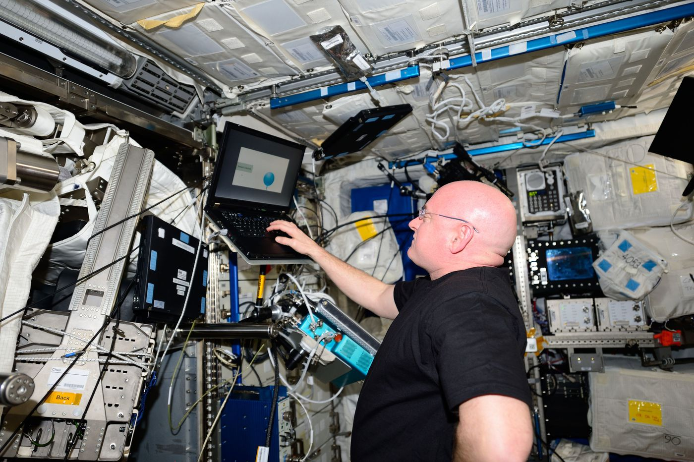Astronaut in good health after year in space, compared with his twin. But his brain function slipped