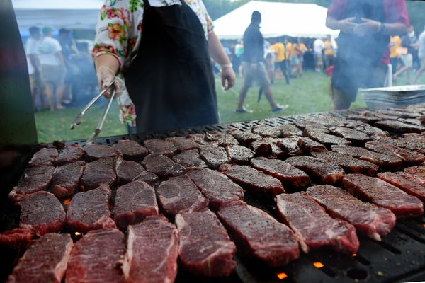 Red meat may not be so bad for you, new guidelines say, but not everyone agrees