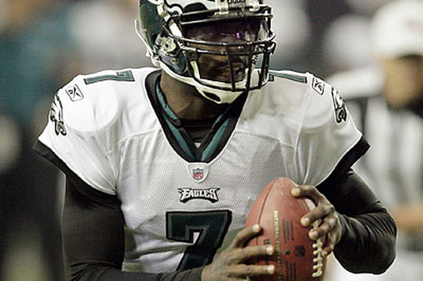 Eagles Rewind: Vick's play was memorable but spotty