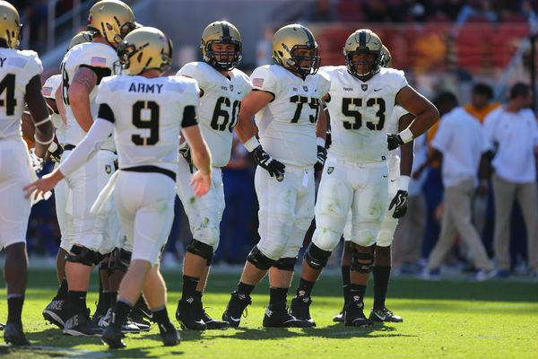 Hatboro native Jeff Panara continuing to work to improve himself and Army's offensive line